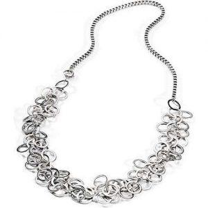 Collana Donna Gioielli Morellato SRF09 della collezione gioielli da vivere. Collana in acciaio caratterizzata da tanti anelli. La lunghezza del gioiello è 60 cm.